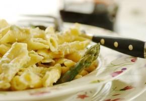 Garganelli asparagi e noci